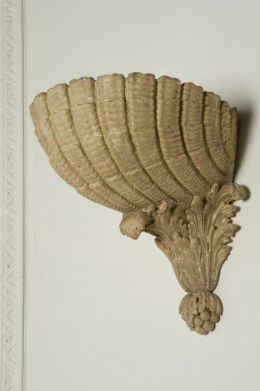 The Scallop Shell Wall Plinth by Rose Uniacke_0