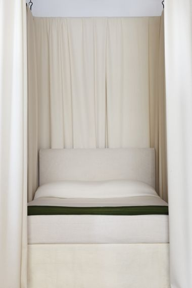 RU Suspension Bed Canopy - Double_1