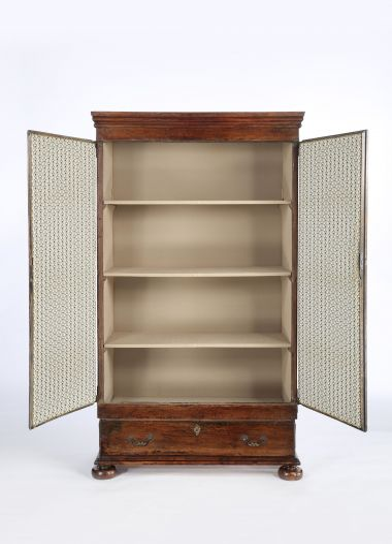 17th Century Walnut Spanish Cabinet_1