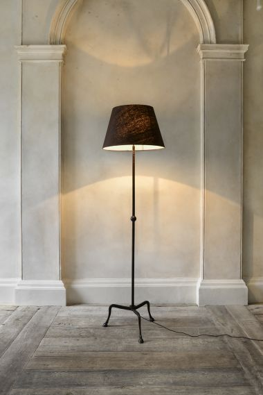 Hoof Standing Lamp by Rose Uniacke_0