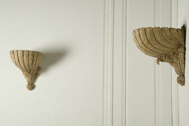 The Scallop Shell Wall Plinth by Rose Uniacke_2