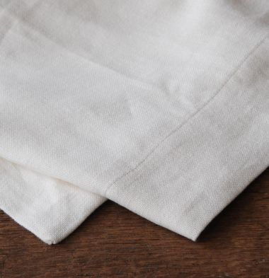 Square Tablecloth in 'Popcorn' Heavy Weight Linen_1