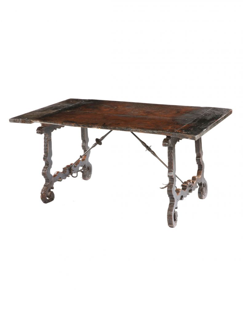17th Century Spanish Walnut Centre Table_0
