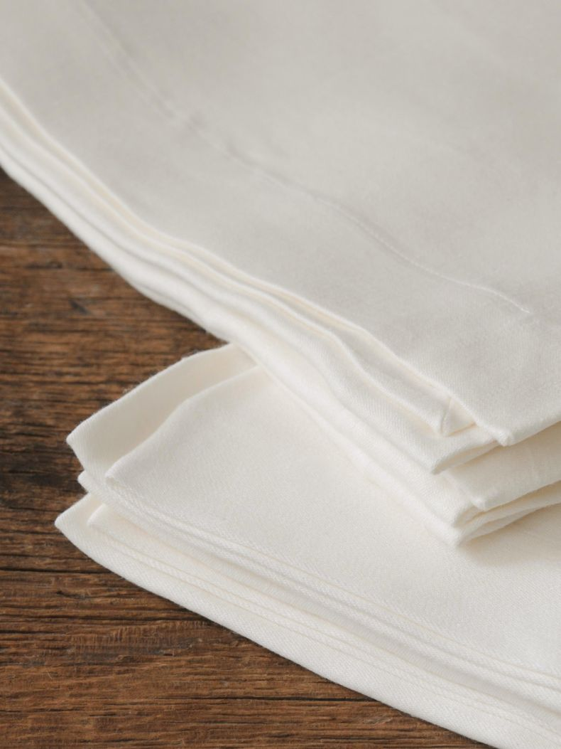 Napkins in 'Ivory' Double Damask Linen_0