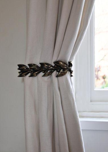 Pair of Leaf & Berry Curtain Ties in Dark Bronze_1