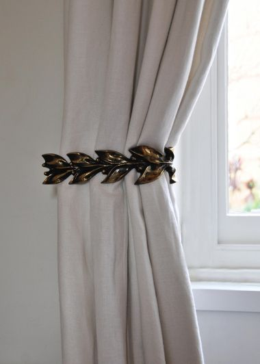 Pair of leaf & Berry Metal Curtain Ties