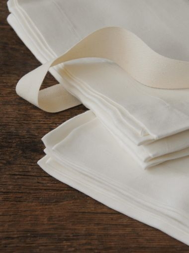 Napkins in 'Ivory' Double Damask Linen_2