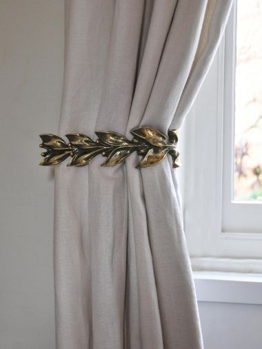Pair of Leaf & Berry Curtain Ties in Polished Bronze_1
