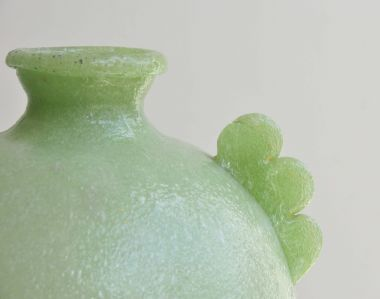 1930's Pulegoso Green Vase close up