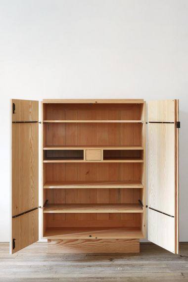 Douglas Fir Cabinet by Rose Uniacke_2