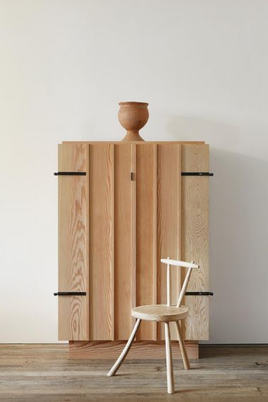 Three Legged Chair by Rose Uniacke_5