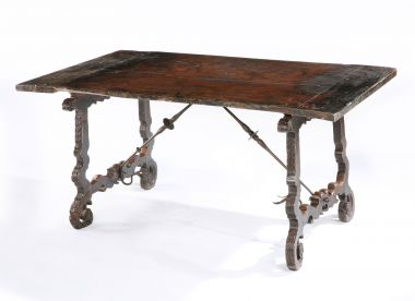 17th Century Spanish Walnut Centre Table_2