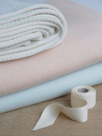 Medium Cashmere Blanket
