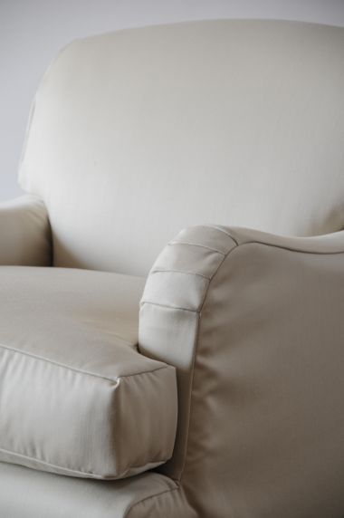 'Mother' Armchair with Loose-Cover_1