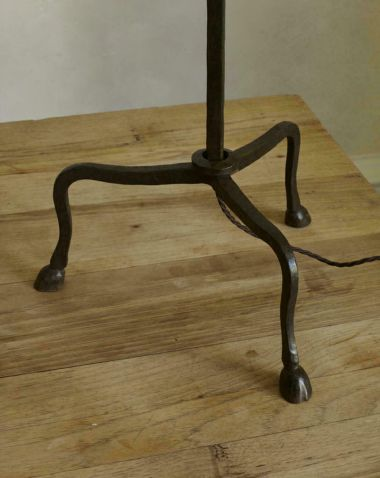 Hoof Table Lamp by Rose Uniacke_2
